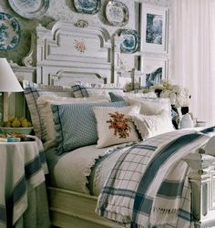 Ralph Lauren's Cottage Hill ~ blue and white