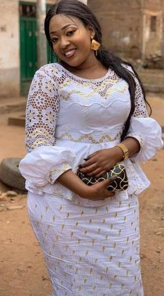 Top Classic Asoebi Styles For Wedding Guest: 25 Top classic asoebi styles for wedding guest African Lace Styles, Short African Dresses, Latest African Fashion Dresses, African Print Dresses, African Wedding Attire, African Attire, Ankara Stil, Lace Dress Styles, African Traditional Dresses