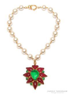 Rare Chanel pearl necklace.