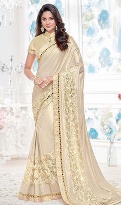 Buy Hug Collection of sarees Like Designer Saree,Wedding Sarees,Cotton Sarees,Party wear Saree and More For All Occasion And Festival, Shop Now Get Discount Up to Off Cash On Delivery Available ! Golden Saree, African Traditional Dresses, Indian Sarees Online, Latest Sarees, Beautiful Saree, Beautiful Gorgeous, Chiffon Saree, Saree Wedding, Desi Wedding