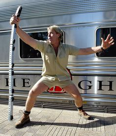 """Justin Lyons, the man that The Crocodile Hunter called his """"best mate"""" and """"right-hand man,"""" shared Irwin's final moments during an interview. Steve Irwin Costume, Crocodile Costume, Irwin Family, Dragons Love Tacos, Adventures In Babysitting, Crocodile Hunter, Bindi Irwin, Best Mate, People News"""