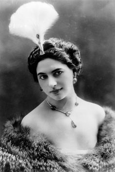 The dramatic tale of Mata Hari, exotic dancer and notorious WWI spy Mata Hari, Old Photos, Vintage Photos, Rare Photos, Moving To Paris, Tribal Belly Dance, Gibson Girl, Modern Dance, Marriage Advice