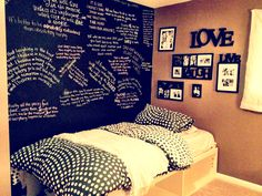 You can select any design you desire. A DIY Chalkboard headboard in your bedroom can be quite fun since they allow you to receive extremely creative and personalize them as you desire. Chalkboard Wall Bedroom, Chalk Wall, Diy Chalkboard, Chalk Board, Chalk Pens, Dream Bedroom, Bedroom Wall, Girls Bedroom, Bedroom Decor