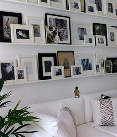 fancy picture wall and photo wall ideas interiordecordesi . 55 fancy picture wall and photo wall ideas interiordecordesi . fancy picture wall and photo wall ideas interiordecordesi . Home And Deco, Home And Living, Living Rooms, Small Living, Modern Living, Home Projects, Family Room, Family Wall, Family Pics