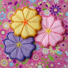 Plastic Canvas: Island Flower Magnets (set of 3) by ReadySetSewbyEvie on Etsy