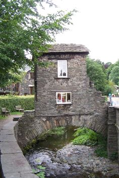Bridge house, Ambleside, Cumbria : 1067784 - PicturesOfEngland.com