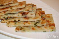 Scallion Pancakes, Romanian Food, Bread Rolls, Feta, Good Food, Food And Drink, Healthy Recipes, Healthy Food, Lunch