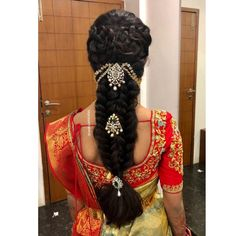 Pink Bridal Blouse extravaganza for special occasions Get your own customized blouse from Nazia Syed - Bridal Wear and Blouse Studio . Indian Hairstyles For Saree, Saree Hairstyles, Bride Hairstyles, Easy Hairstyles, Hairstyles 2018, African Hairstyles, Bridal Hairstyle Indian Wedding, Bridal Hair Buns, Dreadlocks