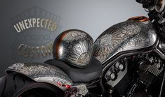 Unexpected Custom is a prestigious Italian brand in the world of customizing. We feature applied works of art and bring together under our own name, a collaboration and artistic force of designers, architects, illustrators, painters. Harley Davidson V Rod, Harley Davidson Motorcycles, Motorbike Design, Custom Motorcycle Helmets, Helmet Design, Kustom, Motorbikes, Tanks, Paint