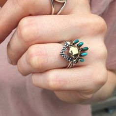 Underlining the magic of serendipity, I happened to meet the owner of this incredibly lovely, totally unique and southwestern flavored ceremonial ring set. This was a few weeks back, leading up to the #HeritageProject launch and I can hardly explain how overjoyed I was to see she had stacked a turquoise Zuñi ring with a Hazeline solitaire and a Black Diamond Chevron band from my collection! Brilliant. So unique. And when I asked if she would send me a photo, the truly kind @coolshera…