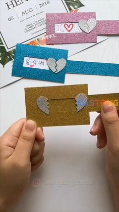 Cool Paper Crafts, Paper Crafts Origami, Diy Crafts Hacks, Diy Arts And Crafts, Creative Crafts, Easy Crafts, Diy Embroidery Projects, Instruções Origami, Social Media