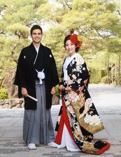 色打掛 Japanese Outfits, Japanese Fashion, Japanese Style, Japanese Costume, Japanese Kimono, Traditional Wedding Attire, Traditional Outfits, Japanese Wedding, Japanese Brides