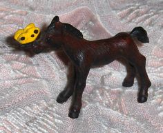 Vtg Brown Metal Horse Figurine Miniature Colt Pony & Yellow Butterfly On Muzzle