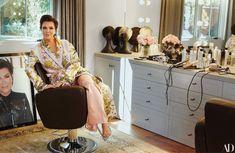 Momager Kris Jenner Gives AD a Tour of Her Never-Before-Seen Hidden Hills Home - Architectural Digest Casa Da Kris Jenner, Kris Jenner House, Le Corbusier, Sala Glam, Aldo, Familia Kardashian, Yves Klein Blue, Saint Laurent Shirt, Monochromatic Room