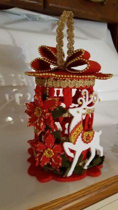 Navidad Easy Christmas Ornaments, Christmas Lanterns, Christmas Crafts For Kids, Felt Ornaments, Homemade Christmas, Simple Christmas, Christmas Diy, Christmas Decorations, Craft Projects For Kids