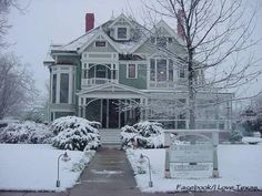 The C. S. Roberts House Museum ,Sherman , Texas . This Victorian mansion was built in 1896 .  Photo : I Love Texas