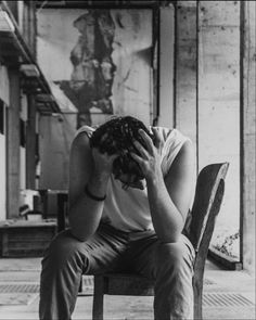 When You Face Rejection Alone Boy Photography, Photography Poses For Men, Feeling Pictures, Crying Aesthetic, Alone Man, Rafael Miller, Boy Crying, Emotional Photography, Pose Reference