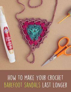 How To Make Crochet Barefoot Sandals Last Longer (Gleeful Things) Crochet Gloves, Crochet Slippers, Crochet Designs, Crochet Patterns, Crochet Stitches, Knit Crochet, Skirt Mini, Crochet Barefoot Sandals, Bare Foot Sandals