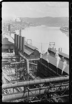 Industrial development along Monongahela River, Pittsburgh, Pennsylvania; 1938 I remember the red haze and that smell. Pennsylvania History, Steel Mill, Industrial Photography, Pittsburgh Pa, Industrial Revolution, Industrial Development, Old Pictures, Diorama, Abandoned