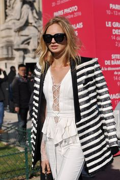 Dutch model Romee Strijd exiting Chanel during Paris Fashion Week. She is wearing a black and white fringed blazer and white suit. White Suits, Paris Street, Fashion Photo, Latest Fashion Trends, Milan, Street Style, Blazer, Black And White, Model