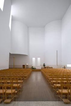 Álvaro Siza, Fernando Guerra / FG+SG · Igreja e Centro Paroquial