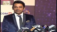 Sunil Grover aka Gutthi, famous Television stand up comedian made one of the rare appearances in front of camera. But his insulting response shocked all when. Kapil Sharma, Television Stands, Stand Up Comedians, Trending Videos, Films, Funny, Movies, Tv Stand Cabinet, Stand Up Comedy