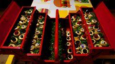 Marie Chemorin | Goûter Pop Up chez Celio | Tartelettes aux fruits et fleurs comestibles ©Régine Abadia #food #celio #mariechemorin