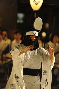 400年の歴史を伝える津和野踊り 島根県津和野町・殿町通りなど2017年8月10日~15日 WEDGE Infinity(ウェッジ)
