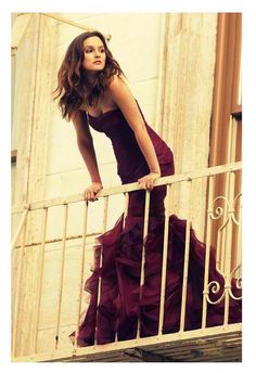 My favorite Gossip Girl, Leighton Meester poses in a Vera Wang couture gown on a balcony for the new Wang perfume 'Lovestruck'She looks so beautiful! Mode Gossip Girl, Estilo Gossip Girl, Gossip Girls, Gossip Girl Fashion, Gossip Girl Gowns, Gossip Girl Style, Gossip Girl Blair, Gossip Girl Outfits, Leighton Meester