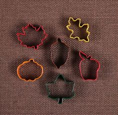 Use our mini fall cookie cutters for making tiny sugar cookies! These are very little so they are perfect to use for cutting out pie crust for decorative edging or cutting out fondant to decorate cupc