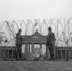 - Barriers at the Brandenburg Gate Berlin, Building the Wall. – First barriers at the Brandenburg Gate with barbed wirel on August Photo, digitally coloured. East Germany, Berlin Germany, Neue Wache, Kaiser Wilhelm, Brandenburg Gate, Berlin Wall, Prussia, Cold War, World History