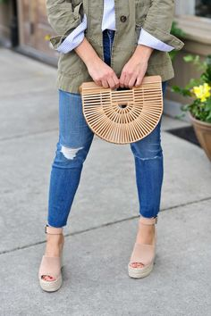 Get ready for spring with 22 casual and stylish outfit ideas featuring DENIM! From denim jackets, to denim skirts, to how to style your favorite jeans for spring. Save this pin for ALL the best spring outfit ideas #springfashion #elevatedeveryday #mystylevita
