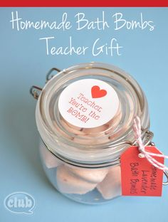 Homemade Bath Bomb teacher gift idea - so easy to make!