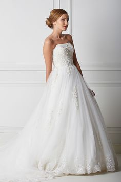 Mecco hääpuku MW10031 Wedding Dresses, Fashion, Bride Dresses, Moda, Bridal Wedding Dresses, Fashion Styles, Weding Dresses, Dress Wedding, Wedding Dressses