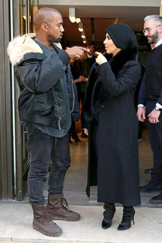 Kanye West and Kim Kardashian bundled up in Paris on March 5 after jetting in for Fashion Week. Kardashian Family, Kardashian Style, Kardashian Jenner, Kanye West Style, Kanye West And Kim, Vest Outfits, Couple Outfits, Kim K Style, Hair