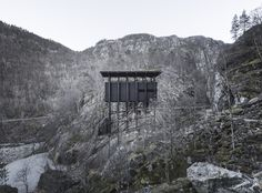 Image 7 of 22 from gallery of The Noble Simplicity of Peter Zumthor& Allmannajuvet Zinc Mine Museum. Photograph by Aldo Amoretti Peter Zumthor, Innovative Architecture, Study Architecture, Contemporary Architecture, Wooden Architecture, Architecture Drawings, Beautiful Landscapes, Aldo, Norway