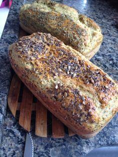 Pão integral de gengibre  Sem gluten, sem leite farinhas integrais amaranto em flocos e gergelim, sabor levemente de gergelim.