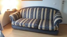 Hieno kangas sohva ehjä