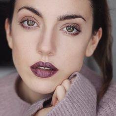 Bold eyebrows make up