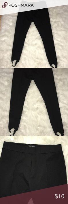 Romeo and Juliet stretch pants/leggings size M Romeo and Juliet stretch pants/leggings size M Romeo & Juliet Couture Pants