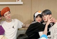 Korea Boy, Bts Korea, Daddy And Son, Father And Son, Beautiful Boys, Pretty Boys, Daddy's Little Girl Quotes, Daddys Little Girls, Anime Girl Cute