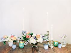 Perfect for spring. Gorgeous colours, loved the mixed candlelight and the the varied votives that still coordinate. PLUS that simple vase at the end with the sweet pea.