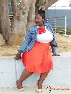 Fashion, Plus Size, Plus Size Fashion, Plus Size Blogger, Blog, Curvy, Pleated skirt, Tank Top, Denim Jacket, Style, Style Blogger, Natural Hair, Box Braids, Peep Toe Heels, Naturally Curly Kinky