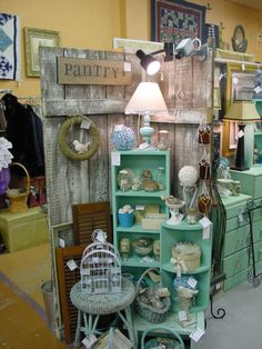 Shabby chick booth displays blue and beachy accessories Vintage Booth Display, Antique Booth Displays, Antique Booth Ideas, Antique Mall Booth, Craft Booth Displays, Booth Decor, Display Ideas, Craft Booths, Window Displays