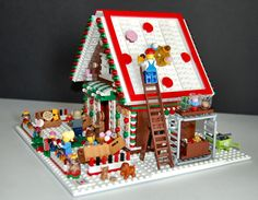 Lego Winter Village, Lego Village, Lego Gingerbread House, Gingerbread Village, Lego Christmas, Christmas Crafts For Kids, Christmas Decorations, Lego Tree, Lego Display