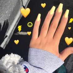 Yellow acrylic nails http://hubz.info/57/cute-nail-art