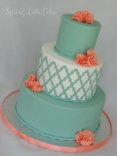 Cake by Merissa Navarre using the Moroccan Silicone Onlay