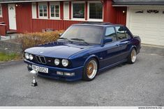 Zoom in (real dimensions: 922 x E28 Bmw, E30, Bmw Cars, Classic Cars, Automobile, Vroom Vroom, Vehicles, Transportation, Passion