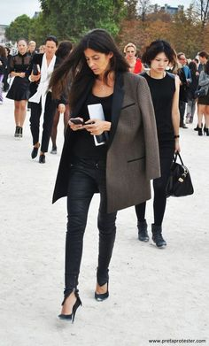 Zipped jeans with heels - an inspiration to buy long jeans