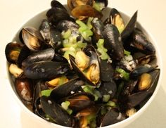 Try a classic dish with a heart-healthy twist! This low-sodium recipe for Mussels with White Wine has all the flavour you'd expect, without overdoing it on the salt. #hypertension